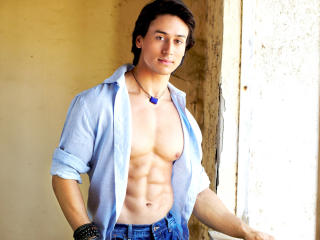 Tiger Shroff Sexy Body HD Photos  wallpaper