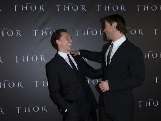 tom hiddleston, chris hemsworth, actors wallpaper