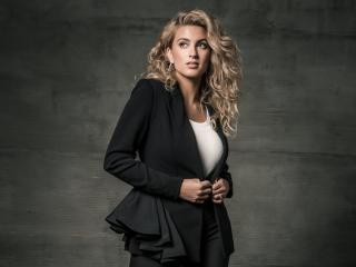 Tori Kelly 2020 wallpaper