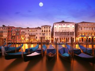 venice, italy, a city on the water wallpaper
