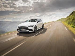 White Mercedes-Benz C 220 wallpaper