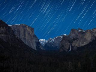 Yosemite National Park Star Trail wallpaper