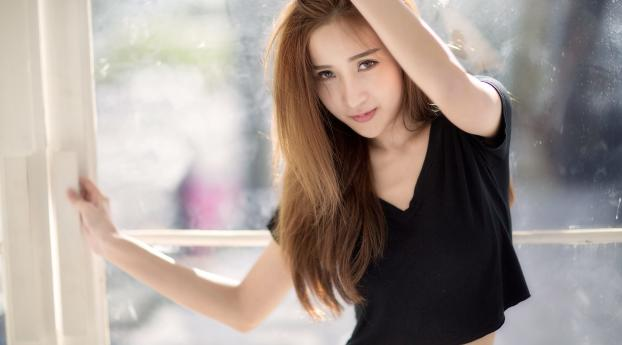 Asian Girl Cute In Black Wallpaper 750x1334 Resolution