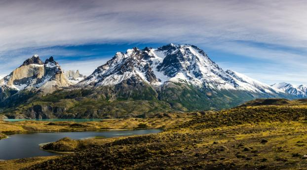 Beautiful Lakeside Mountains Wallpaper