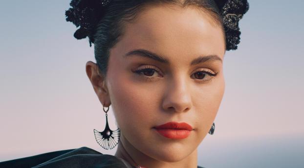 Beautiful Selena Gomez Face 2020 Wallpaper
