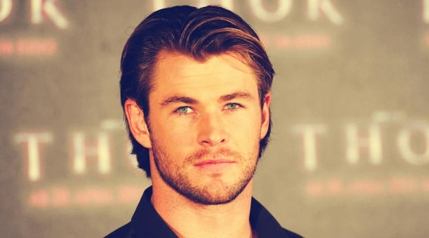 Download Chris Hemsworth Close Up Photoshoot 2560x1080 Resolution