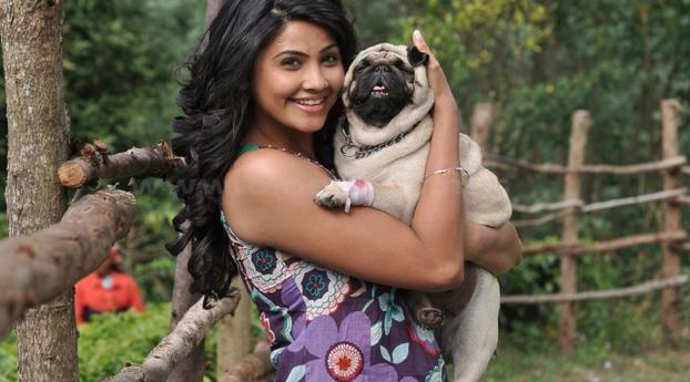 Daisy Shah Hd Wallpaper: Daisy Shah With Dog Photoshoot, Full HD Wallpaper