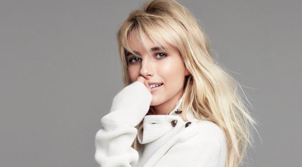 HD Wallpaper | Background Image Emma Roberts Face 2019