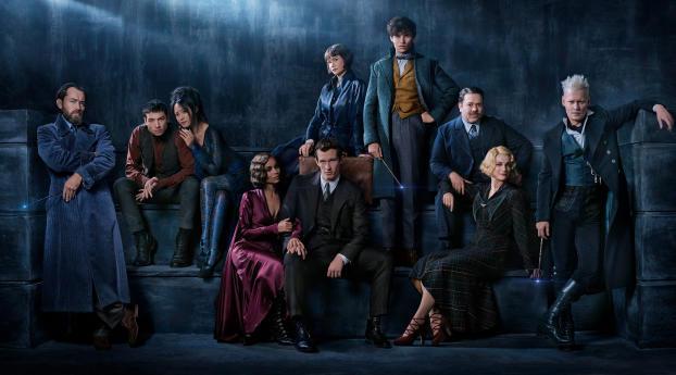 HD Wallpaper | Background Image Fantastic Beasts The Crimes Of Grindelwald Cast Poster 2018
