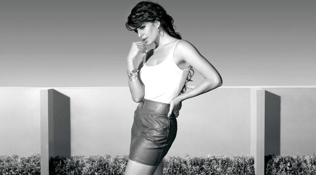 HD Wallpaper | Background Image Jacqueline Fernandez Black And White Pics