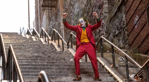 HD Wallpaper | Background Image Joaquin Phoenix As Joker Dancing
