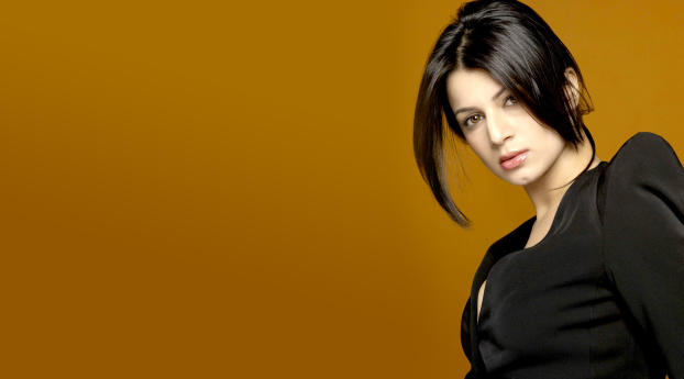HD Wallpaper | Background Image Kainaat Arora Lovely Hair Style Wallpaper