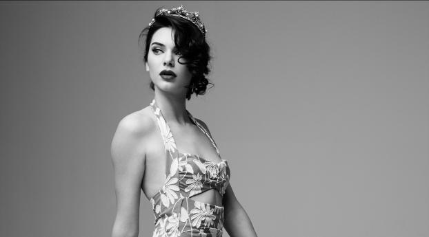 Kendall Jenner Marilyn Monroe Black and White Photoshoot Wallpaper