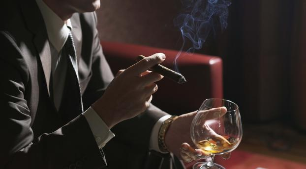 320x480 Man Cigar Alcohol Apple Iphone Ipod Touch Galaxy