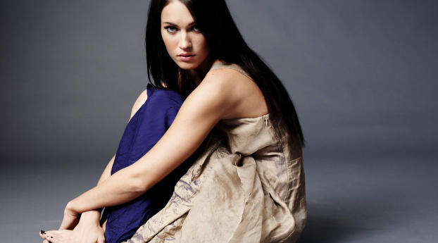 1080x1920 Megan Fox Cute Photos Iphone 7 6s 6 Plus And