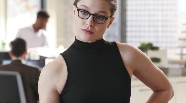 HD Wallpaper | Background Image Melissa Benoist As Kara Danvers In Supergirl