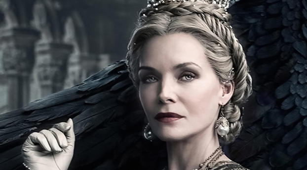 640x960 Michelle Pfeiffer In Maleficent Mistress Of Evil
