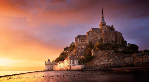 Mont Saint Michel Wallpaper in 1336x768 Resolution