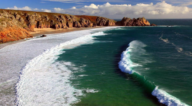 Nice Ocean Waves Under Blue White Cloudy Sky Wallpaper