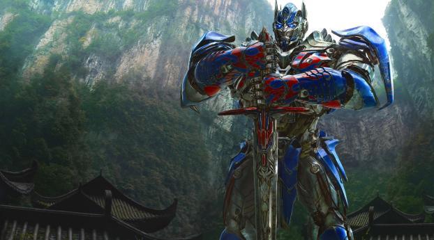 Optimus Prime In Transformers Wallpaper 1080x2240 Resolution