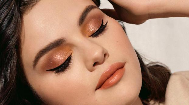 Selena Gomez Beautiful Face 2021 Wallpaper 1920x1200 Resolution