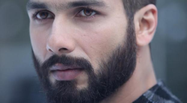 Download Shahid Kapoor New Look In Haider 2932x2932 Resolution Hd