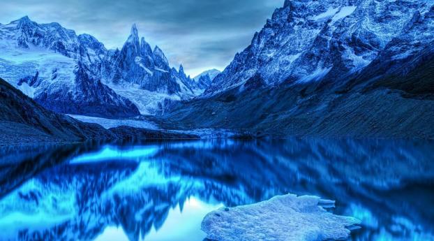 Snow Ice Mountains Reflection On Lake Wallpaper