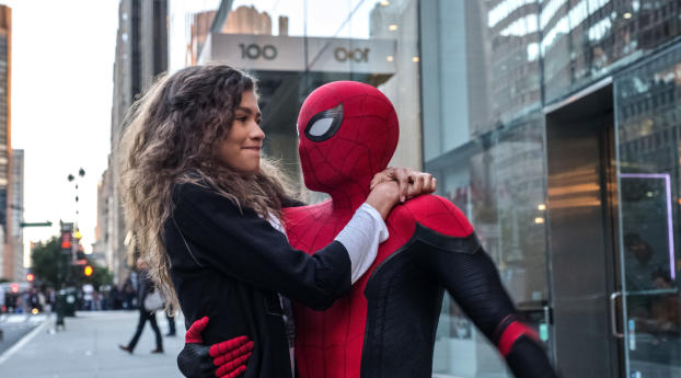 Spider Man And Zendaya In Spider Man Far From Home Wallpaper