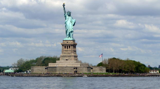 1242x2688 Statue Of Liberty New York City Liberty Island Iphone Xs Max Wallpaper Hd City 4k Wallpapers Images Photos And Background