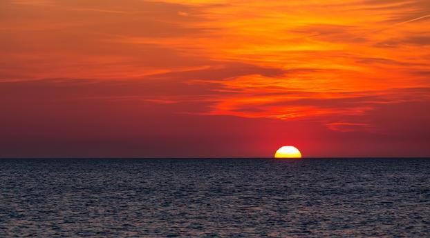 Sun on Horizon Wallpaper 320x480 Resolution