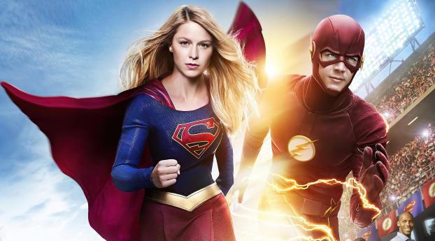 Supergirl and Flash Run Wallpaper 1125x2436 Resolution