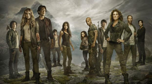 The 100 Show Poster Wallpaper 320x240 Resolution