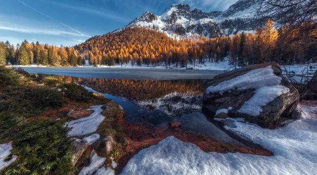Winter Lake Snowy Mountain Landscape Wallpaper in 2048x1152 Resolution